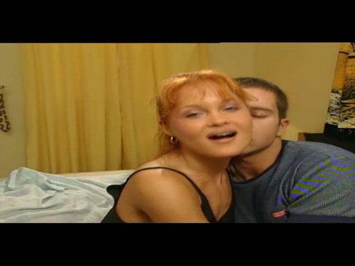 une prof baise son eleve bite 30 cm