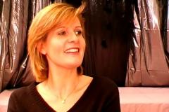 Florence, 41 ans, femme médecin à Paris, souhaitait nous donner une leçon de sexe…(Jacquie et Michel)*