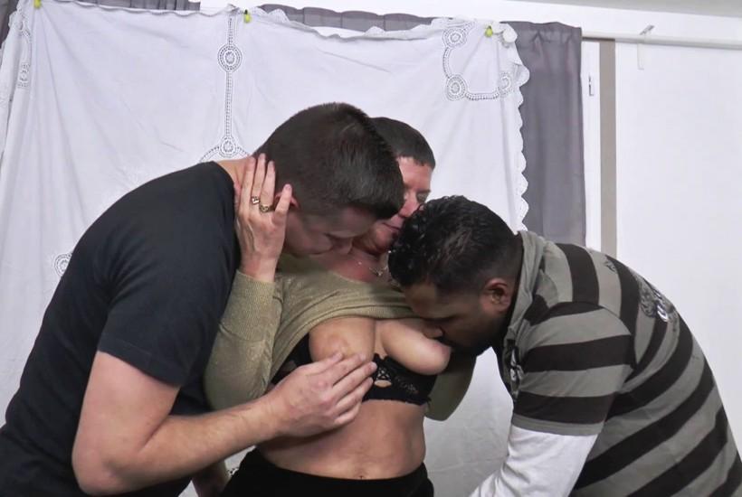 Manon aura attendue la retraite de son mari pour connaitre la double … (Jacquie et Michel)