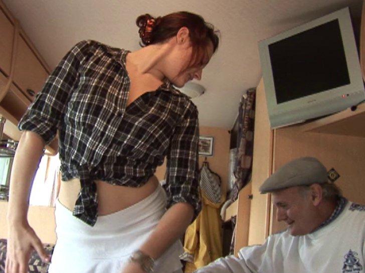 La boulangere salope de mere en fille - 2 part 1