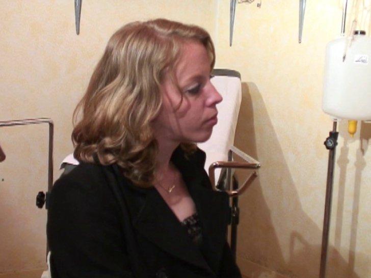 Elle voulait baiser avec le batteur du groupe de rock - 2 part 8