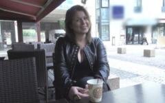 Cindy Lopes, de Secrets Story, vient nous rendre une petite visite intéressée … ! (Jacquie et Michel)