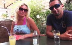 Détruite par une rupture douloureuse, une rencontre émouuvante avec Lyvia, une bretonne en vacances dans le Sud ! (Jacquie et Michel)