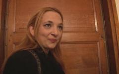 Julia, la voisine de palier de Nico, aime la bite et la picole ! (Jacquie et Michel)