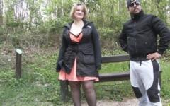 Sophia, sage mère de famille, enculée sur un banc dans un parc ! (Jacquie et Michel)