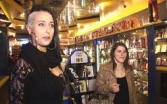 Mélodie, 24 ans, offerte à 35 mecs à l'Eros Center à Marseille ! (Jacquie et Michel)