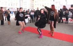 Casting sauvage sur le Vieux-Port à Marseille : 1 étudiante en BTS de 1M80 pêcho ! (Jacquie et Michel)