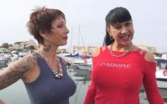 La sulfureuse Titaïna de Marseille revient en mode chienne soumise ! (Jacquie et Michel)