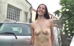 Vendeuse chez un mandataire automobile de Brie-Comte-Robert, elle ne nous fait pas essayer que les voitures …. (Jacquie et Michel)