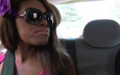 Eva, blackette d'origine congolaise, baisée pour la 1ère fois par un blanc ! (Jacquie et Michel)