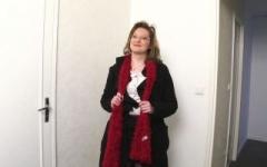 Julie, institutrice à Clermont-Ferrand enculée pour la 1ère fois de sa vie ! (Jacquie et Michel)