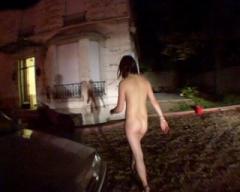 Lydia se fait déposer à poil en pleine nuit dans la rue par son copain !