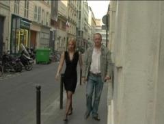 Epouse soumise offerte par son mari à des lascars dans une cave parisienne ! (vi