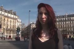 On emmène Zoé, 19 ans, dans un sexshop parisien bien connu comme repère à plans culs ! (Jacquie et Michel)