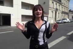 Eloise s'offre en gang bang au Container à Bordeaux ! (Jacquie et Michel)