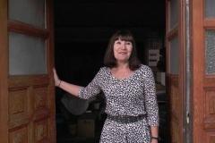 Martine, cinquantenaire divorcée, nous invite chez elle à Nantes ! (Jacquie et Michel)