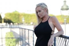 Rachel, une juvénile américaine péte de thunes, vient écarter son 2ème institut de beauté à Paris ! (Jacquie et Michel)