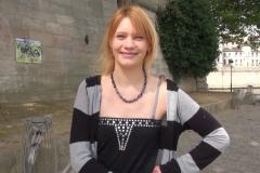 Anna, jeune salope de Toulouse, choppée à la sortie de son taf ! (Jacquie et Michel)