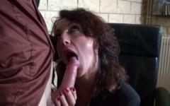 Lyna , cougar de 47 ans, s'accorde une pause porno !  (Jacquie et Michel)