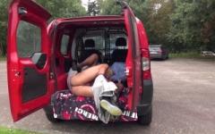 Brigitte, 48ans, fait une surprise à son mari dans notre camionette !  (Jacquie et Michel)