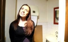 Salace : on la défie au resto d'avaler la bite du 1er mec qui va aux toilettes ensuite on lui offre sa 1ère double-anal ! (Jacquie et Michel)
