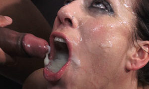 Adeline lafouine : blowbang , swallow , facial , piss