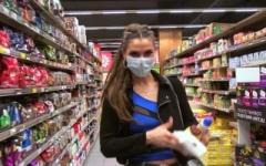 Claudia, 23 ans, veut goûter à du gros calibre ! (Jacquie et Michel)