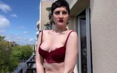 Katya, 28 ans, de strasbourg, nous donne son trou de balle !   (Jacquie et Michel)