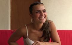 Claudia, 23 ans, une cochonne au corps d'un canon !  (Jacquie et Michel)
