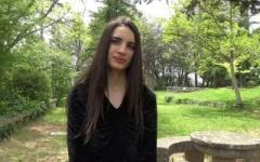Candie, 19 ans, veut un plan à trois avec une femme habituées aux baises hard !   (Jacquie et Michel)
