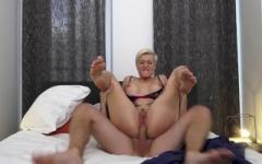 Tanya en prend plein le trou du cul !   (Jacquie et Michel)